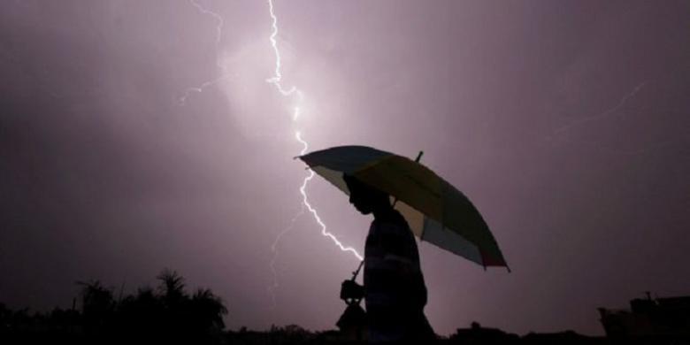 BMKG Prediksi Jabodetabek Diguyur Hujan Deras dan Petir Hari Ini