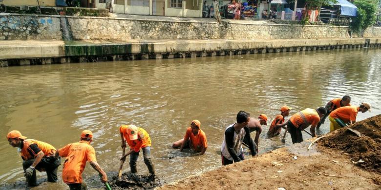 Praktisi Photoshop Komentari Foto Sungai Jakarta