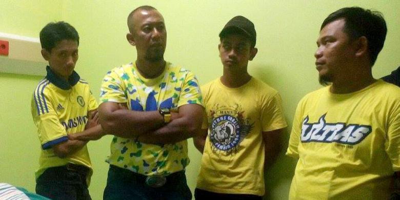 Persegres Tanggung Biaya Korban Amuk Oknum Suporter PS TNI