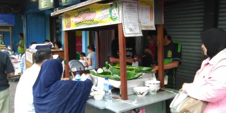 wisata kuliner khas bogor - soto kuning pak yusuf