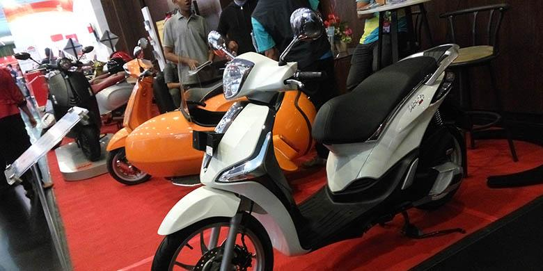 program menarik vespa di pameran medan berita otomotif. Black Bedroom Furniture Sets. Home Design Ideas