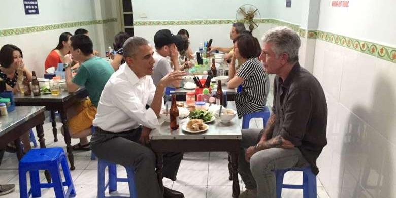 """Ini Kedai """"Bun Cha"""" Yang Didatangi Obama Di Vietnam"""