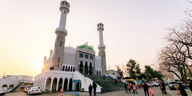 Berkunjung Ke Masjid Satu-Satunya Di Seoul