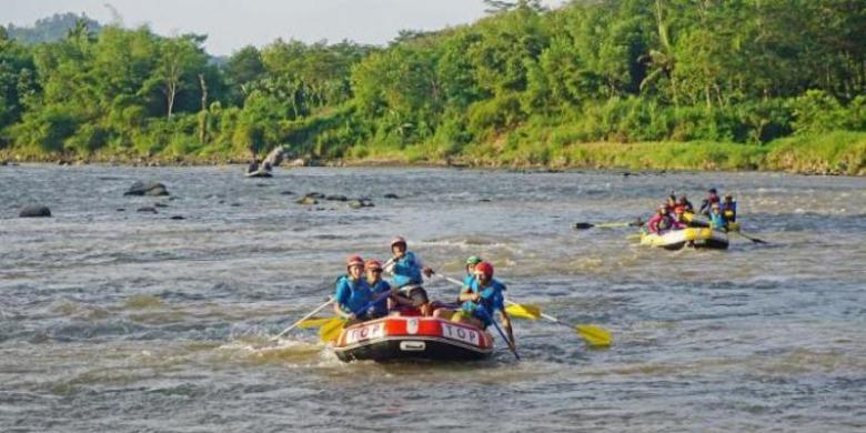 "Dulu Dianggap Angker, Sungai Progo Kini Jadi Lokasi ""Rafting"""