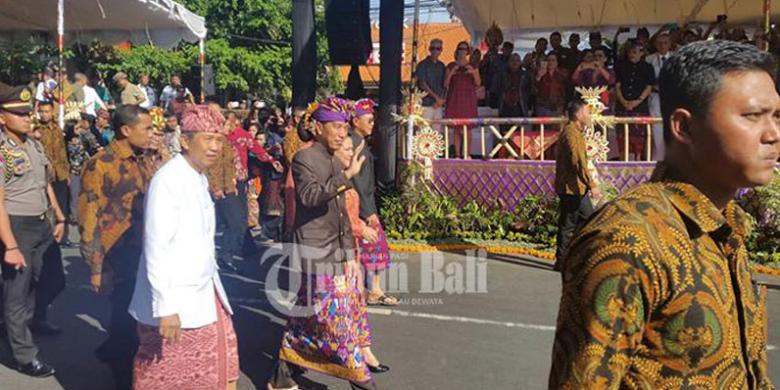 Tung! Tung! Tung! Jokowi Buka Pawai Pesta Kesenian Bali