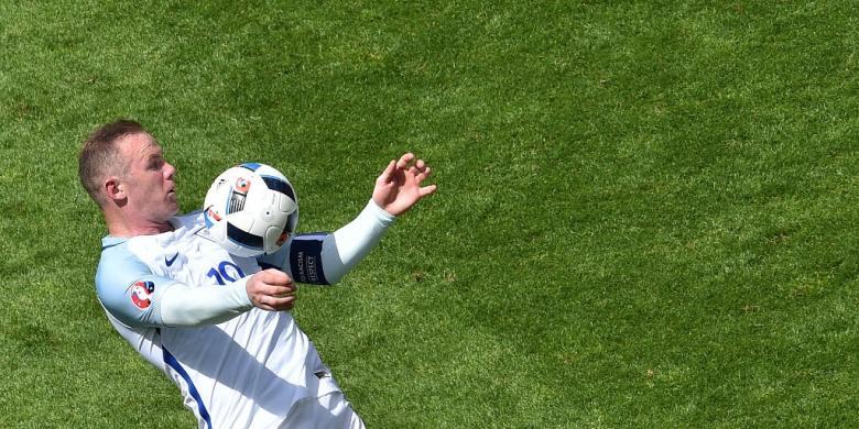 Belajar dari Shearer, Rooney!
