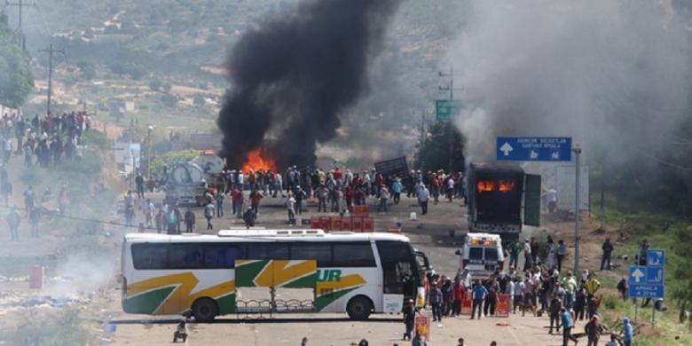 Empat Orang Tewas dalam Bentrokan Polisi dan Guru di Meksiko