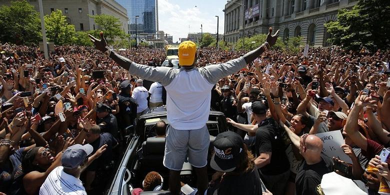 LeBron James Olahragawan Terbaik Tahun Ini