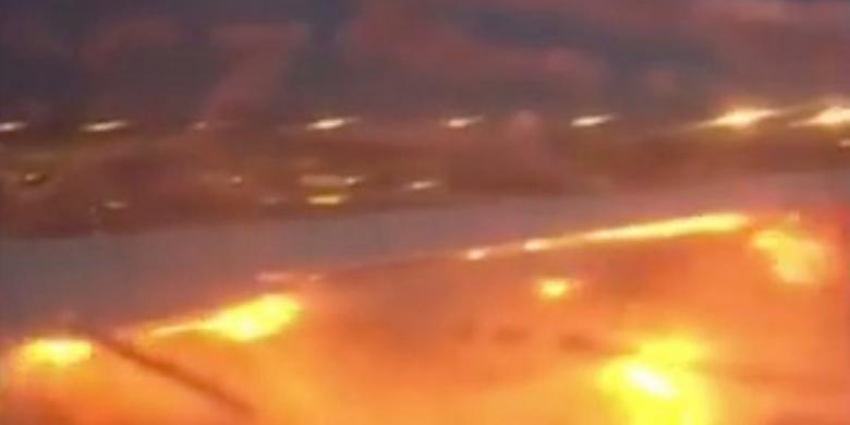Pesawat Singapore Airlines Terbakar Saat Mendarat Darurat di Changi