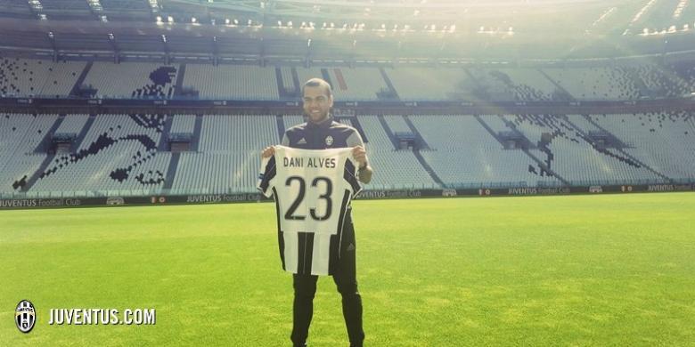Dani Alves dan Makna Angka 23 di Juventus