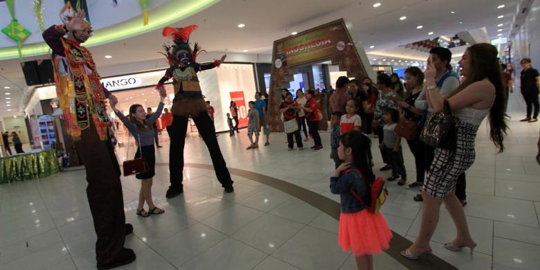 Tarian Kreasi Penari Indonesia Pukau Pengunjung Mall Vivacity Kuching