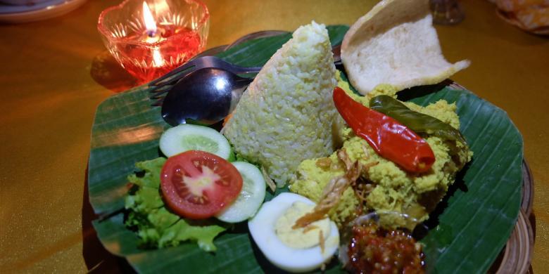 Makan Malam Ala Sultan Di Keraton Cirebon, Cukup Bayar Rp 25.000