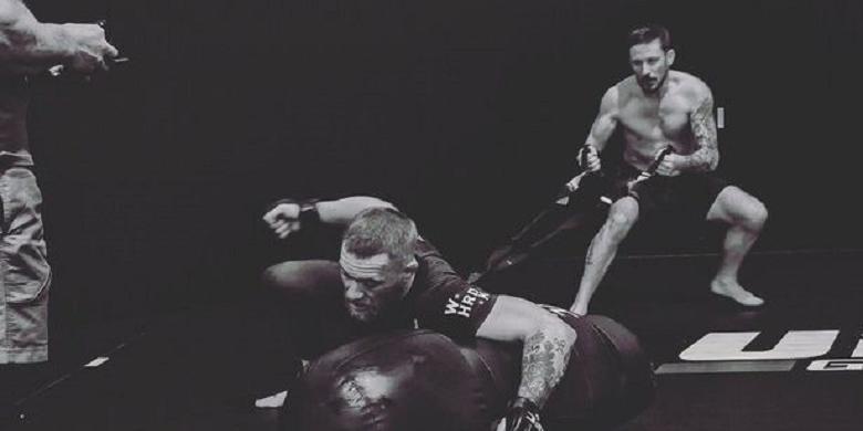 McGregor Berlatih Keras Hadapi Diaz