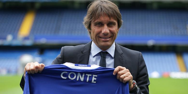 Conte Akan Gunakan Formasi 4-2-4