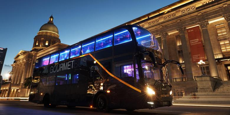 "Yang Baru Di Singapura, Makan Malam Sambil ""City Tour"" Naik Bus Mewah"