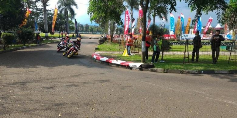 Hasil Lengkap Babak Kualifikasi 8 Kelas Balapan Honda Dream Cup Seri Cimahi