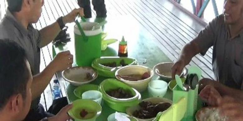 Sensasi Segar Menyantap Nasu Palakko Di Pinrang