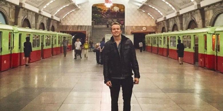 """Dalam Dua Tahun, Pria Ini """"Traveling"""" Ke 50 Negara"""