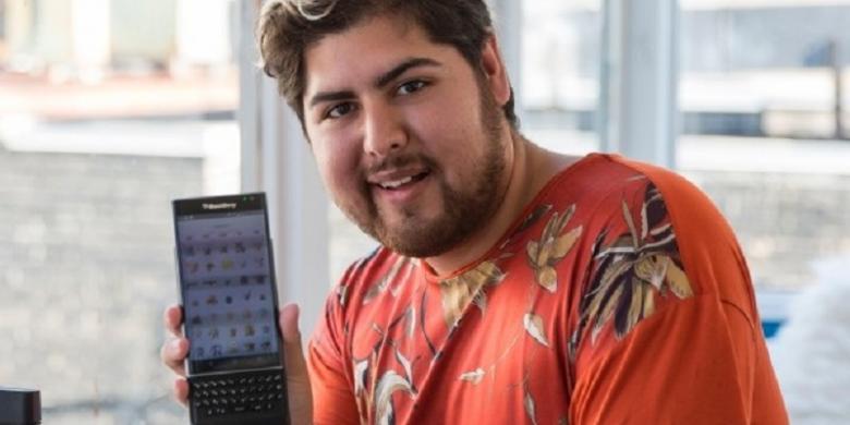 Pria Ini Kumpulkan 142 Pokemon Pakai BlackBerry Priv