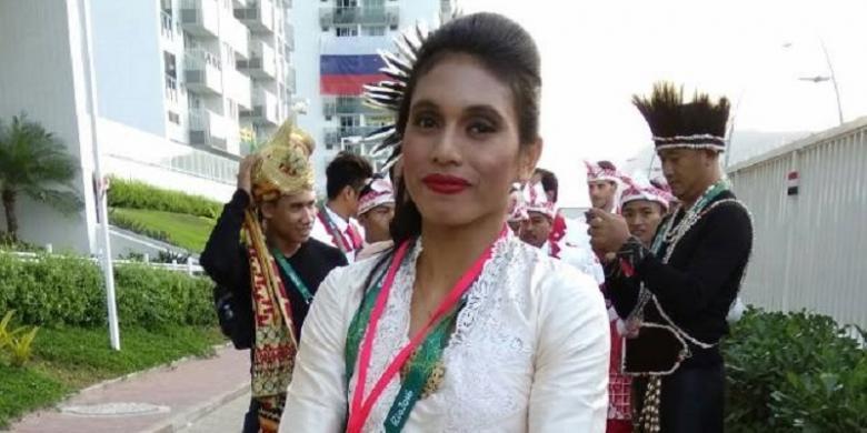 Maria Londa Pimpin Kontingen Indonesia Di Pembukan Olimpiade Rio 2016