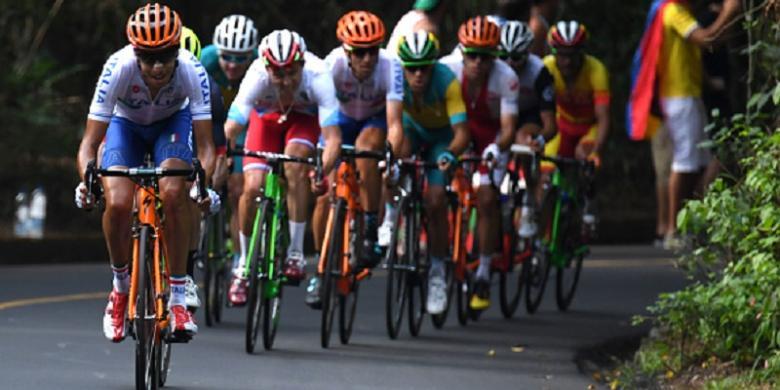 Ledakan Tak Ganggu Lomba Balap Sepeda