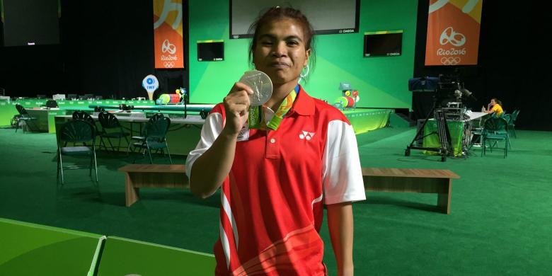 Sejak Olimpiade 2000, Angkat Besi Selalu Sumbang Medali Bagi Indonesia