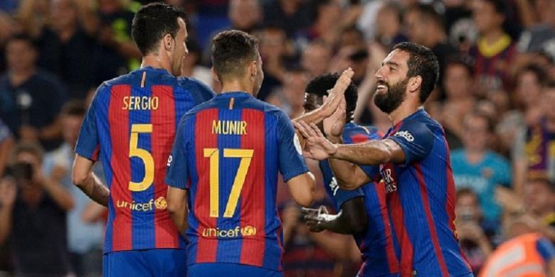 Barcelona Raih Trofi Pertama Musim 2016-2017