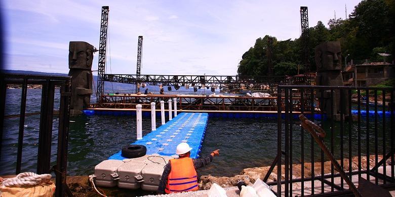 Wow, Ada Panggung Terapung Di Danau Toba
