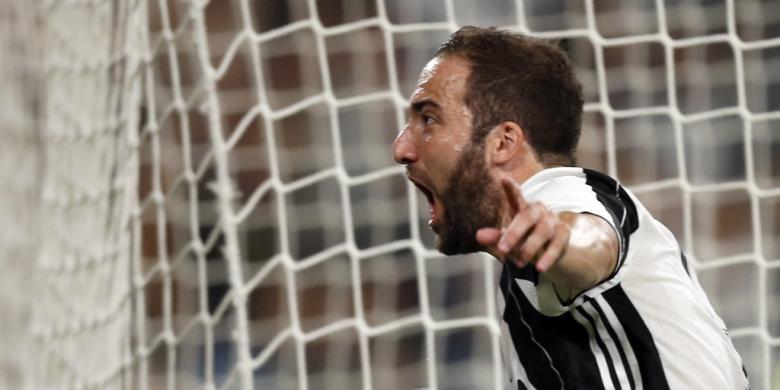 Higuain Menangkan Juventus atas Fiorentina