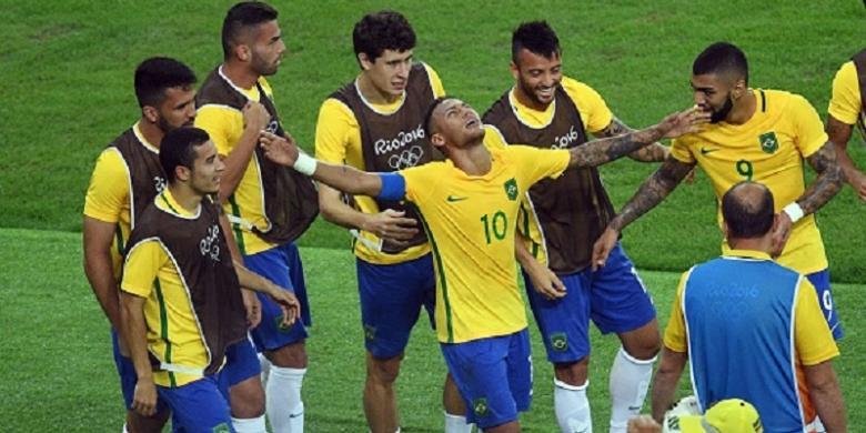 Neymar Diminta Tetap Kapteni Brasil