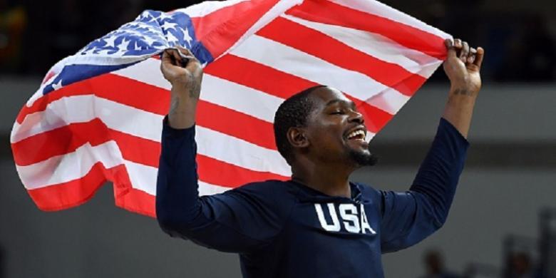 Amerika Serikat Sandingkan Medali Emas Bola Basket Olimpiade