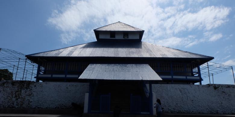 Mitos Lubang Masjid Di Buton Keluarkan Azan Dari Mekkah