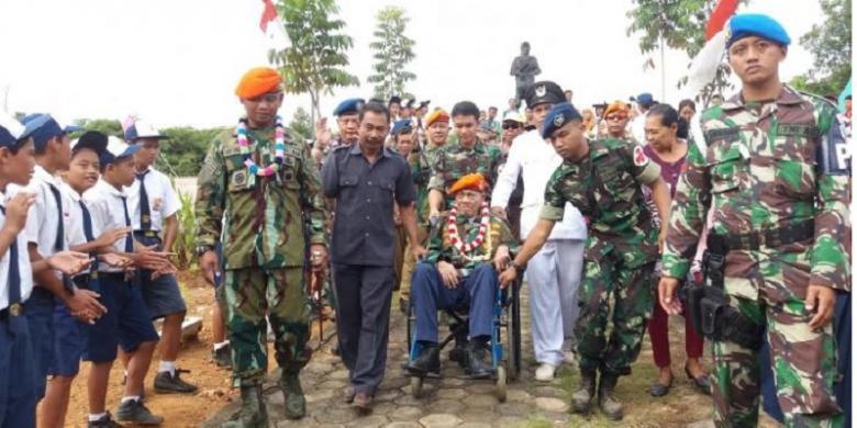 Imanuel Nuhan, Sang Penerjun Payung Pertama Indonesia