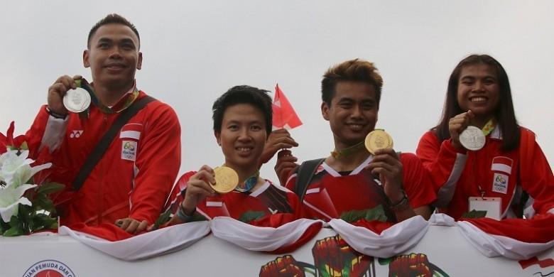 Berita Foto: Kirab Hari Pertama Kontingen Olimpiade