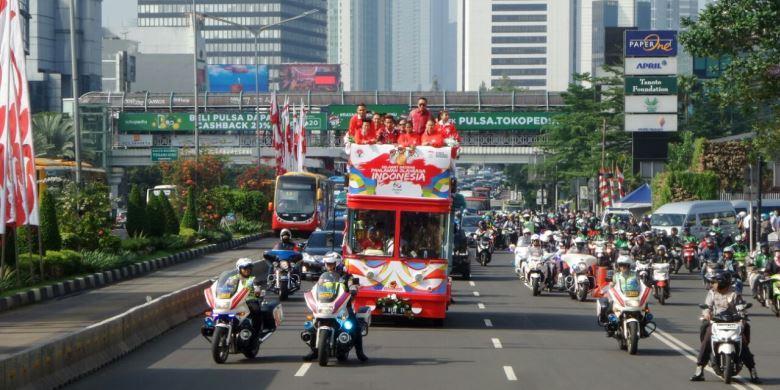 Arak-arakan Peraih Medali Olimpiade Di Tengah Sibuknya Jakarta