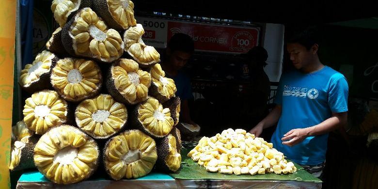 004649720160827 120857 900x506780x390 » Tak Hanya Durian, Nangka Juga Diburu...