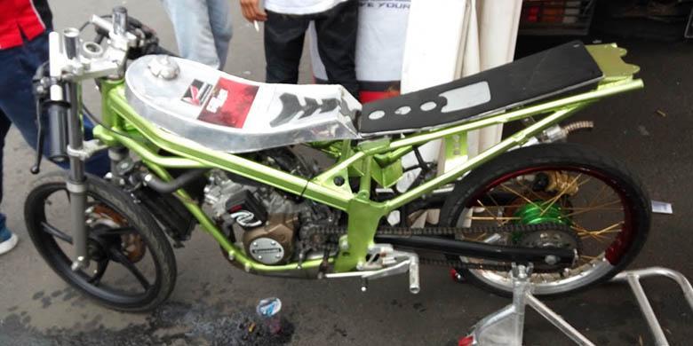 Sensasi Geber Motor Jawara Dragrace