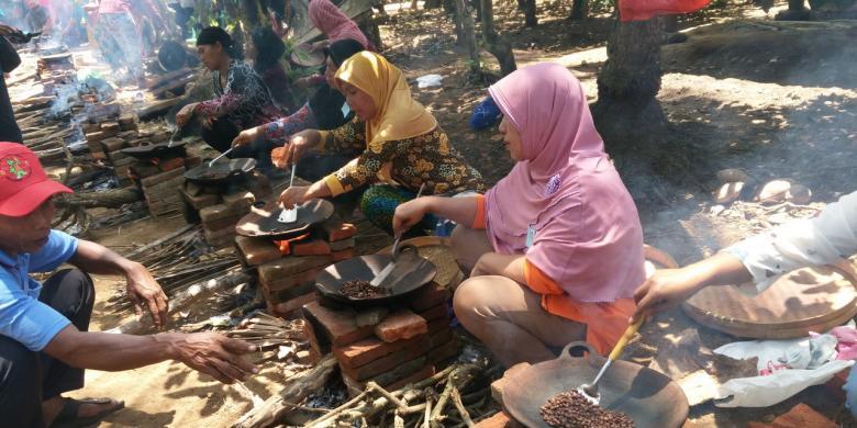 Menikmati Pesta Kopi Di Desa Gombengsari Banyuwangi