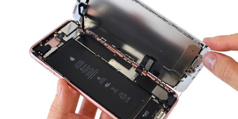 Pengoprekan pertama iPhone 7 Plus.