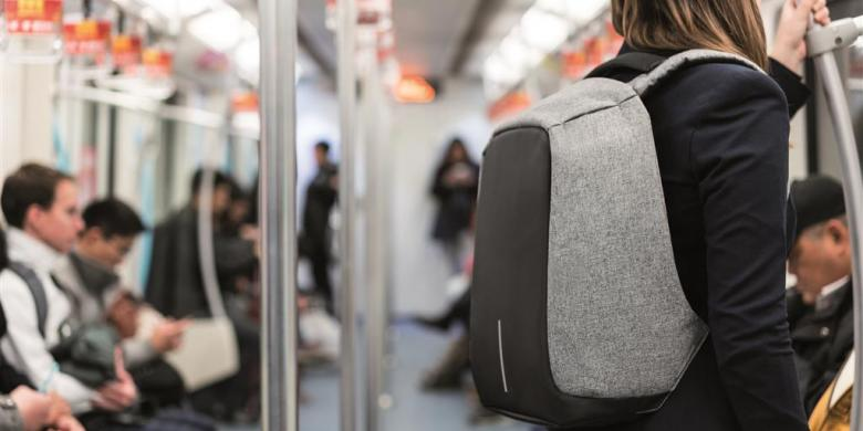 "Kini Hadir, Ransel Anti-maling Yang Cocok Untuk ""Traveling"""