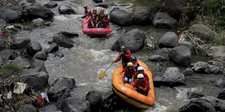 "Menikmati ""Fun Rafting"" Di Malang Raya"