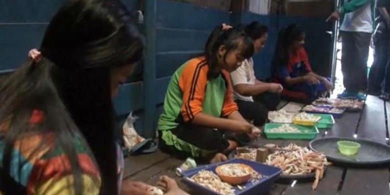 Suka Telur Dan Daging Kepiting? Datanglah Ke Pulau Lepar