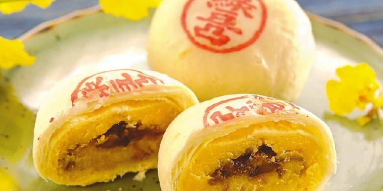 """7 Varian """"Mooncake"""" Khas China Yang Menggugah Selera"""