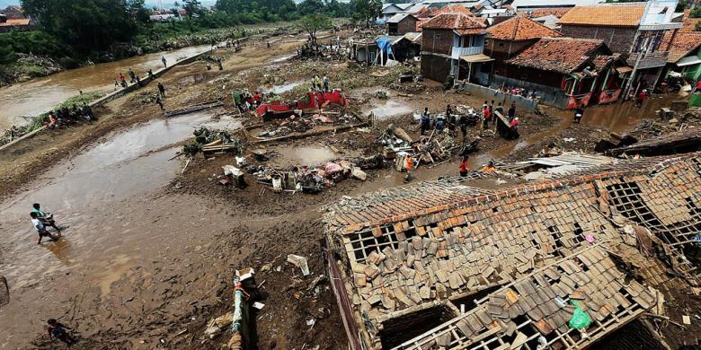 Tim SAR Perluas Area Pencarian Korban Banjir Garut Hingga ke Sumedang