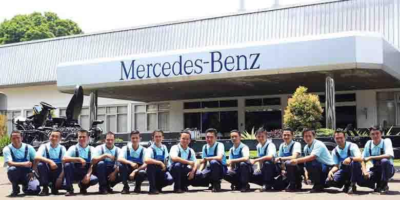 Mercedes lantik angkatan pertama teknisi otobus for Mercedes benz training program