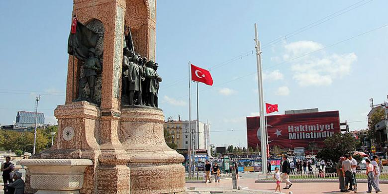 Lihatlah Turki Pasca Kudeta…