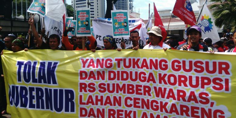 Buruh Berdatangan Ke Balai Kota Dki Teriakkan Ahok Gubernur Upah