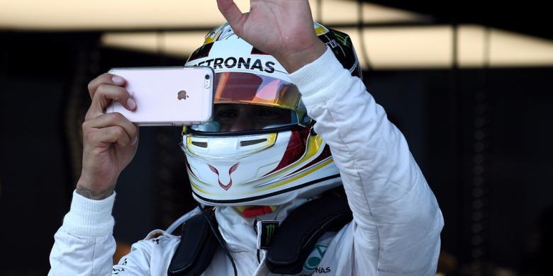 Verstappen Pisahkan Hamilton Dan Rosberg