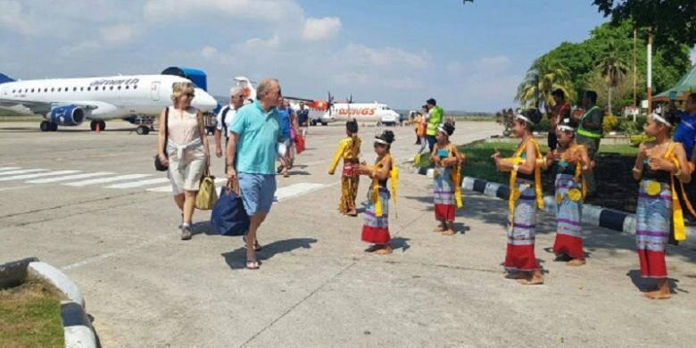 Turis Australia Kecewa Lamanya Pemeriksaan Imigrasi Di Pelabuhan Kupang