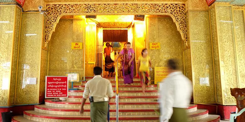Mengintip Potongan Rambut Buddha di Botataung Pagoda, Yangon video viral info traveling info teknologi info seks info properti info kuliner info kesehatan foto viral berita ekonomi